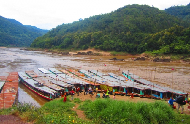 Taking the riverboat from Laos back to Thailand