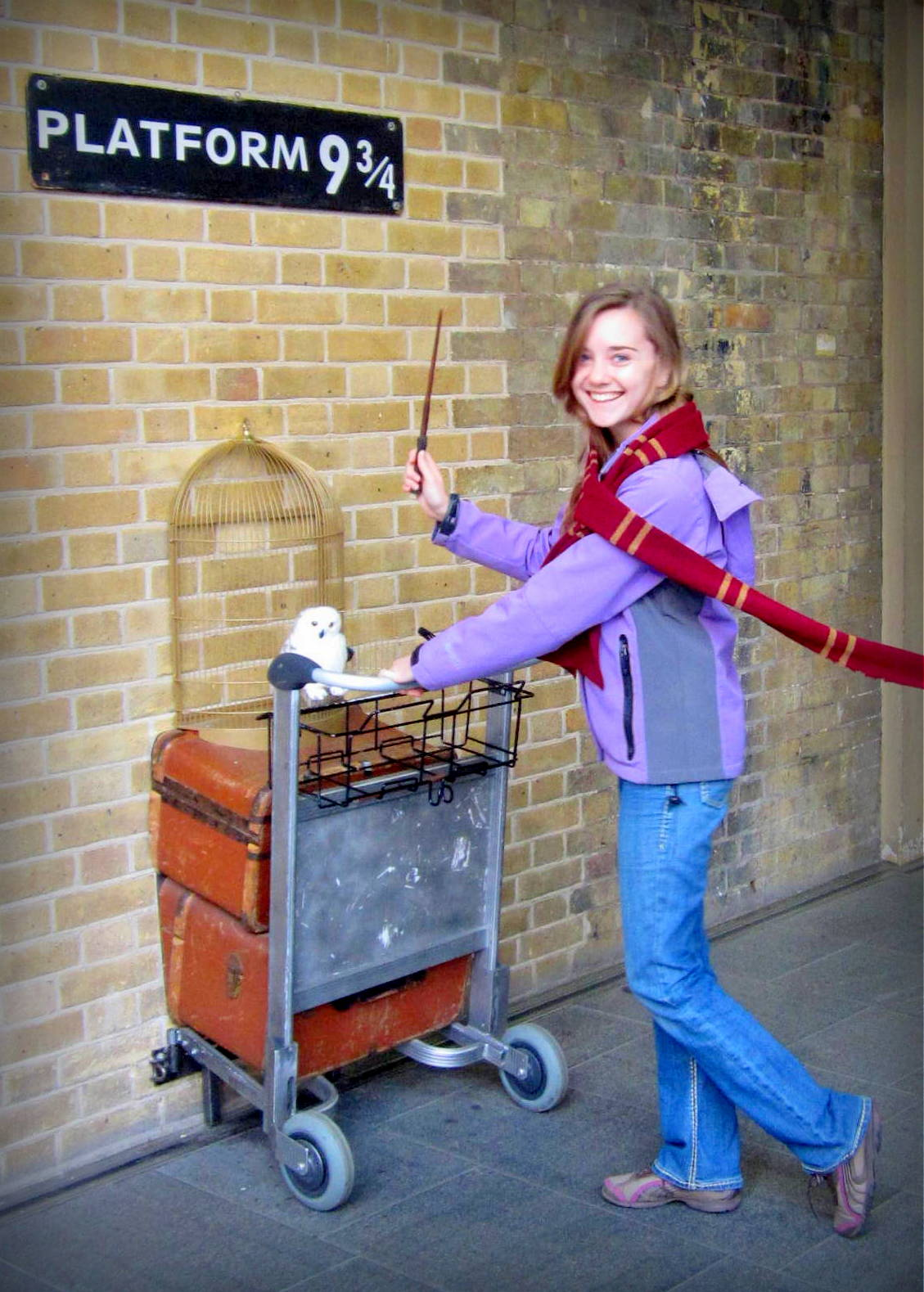 PLATFORM 9 AND THREE QUARTERS. London, England